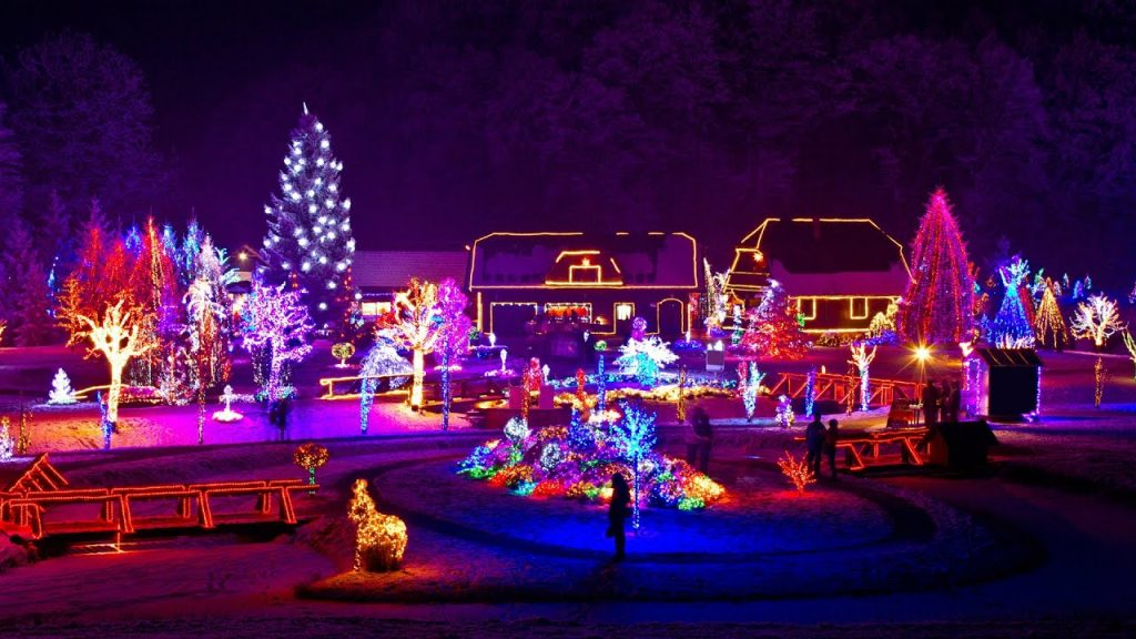 Christmas Lights Synced to Music – AMAZING!