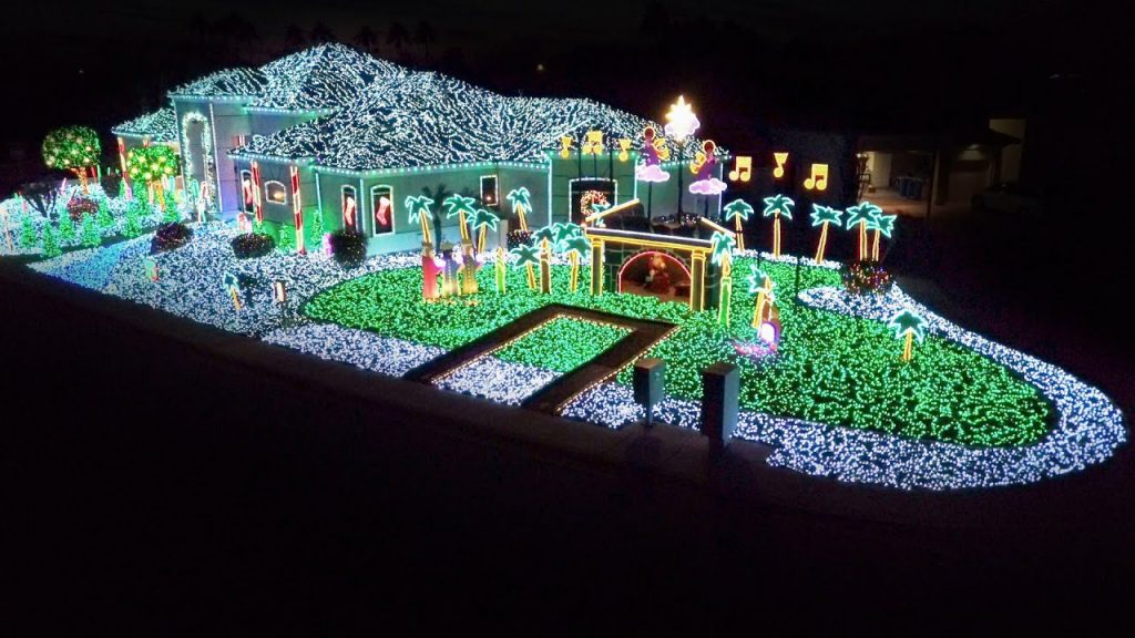 Sanda Twins' Ingenious Display Lights Up The Night – The Great Christmas Light Fight