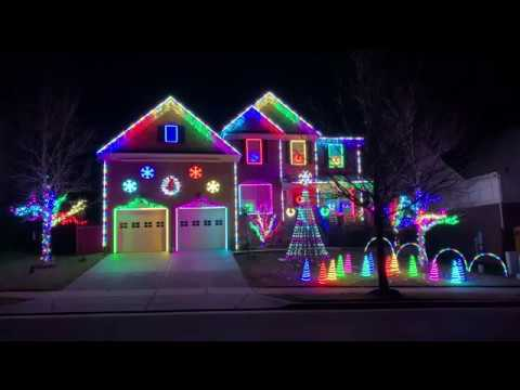 World of Color Christmas Light Show 2018 – Burkitt Place